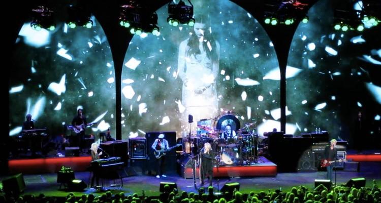Fleetwood-Mac-concert-Chicago-10-4-14
