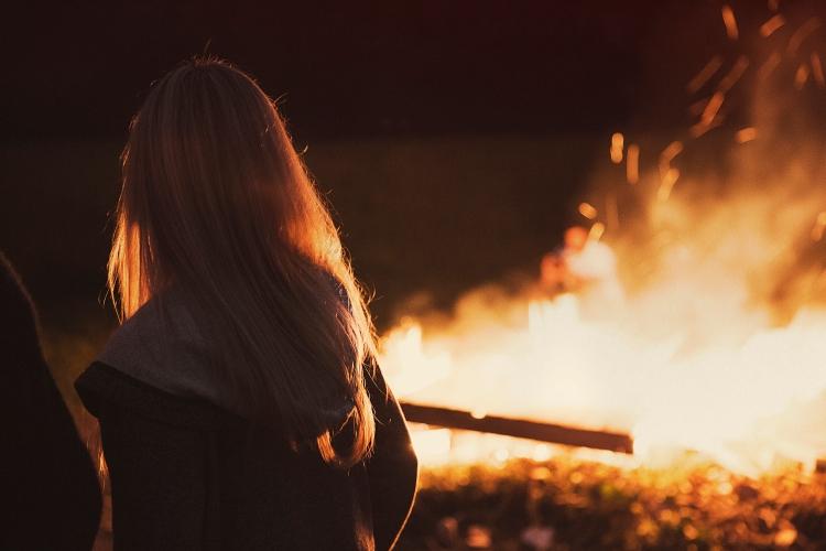girl-fire